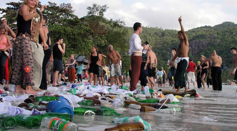 hook up in koh phangan We have carefully chosen the top 5 party islands in thailand for those in search of the most koh phangan home to the full loh dalum is situated up north with.
