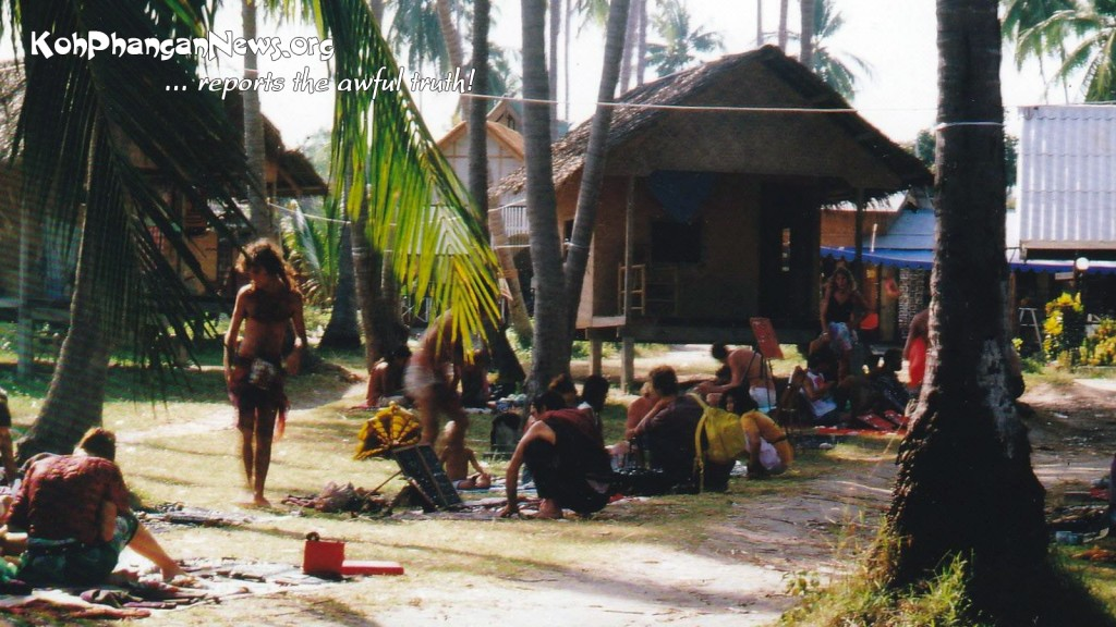 Koh Phangan 1988/89: nice hippie style flea market at Thommy Resort during the afternoons at sunrise Hadrin beach.
