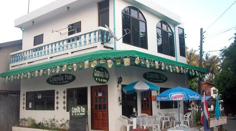 Restaurant Decor Koh Phangan : English style corner pub now open in baan tai village koh