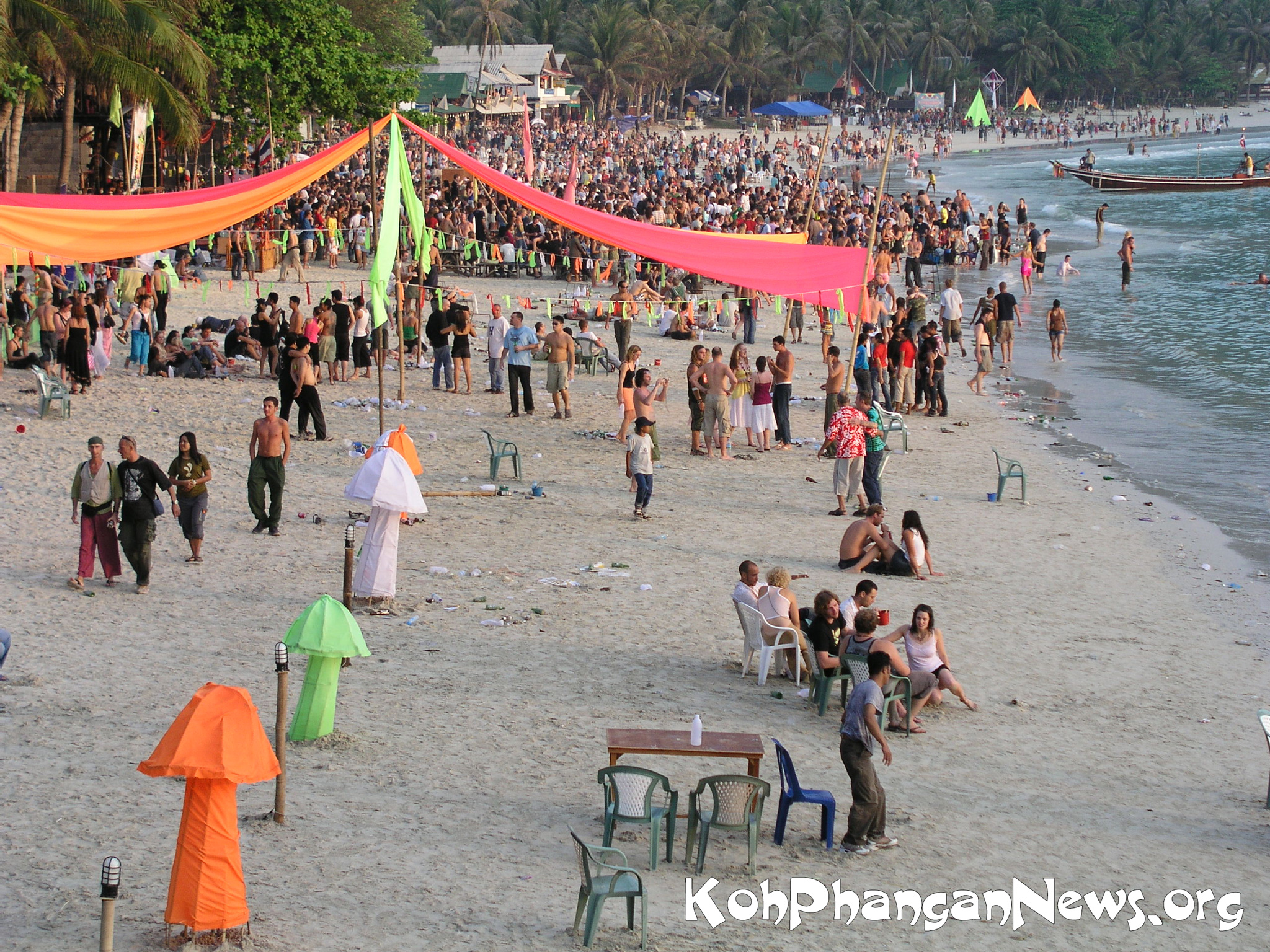 Koh Phangan Full Moon Party At Had Rin Beach A Typhoon Called Muifa And The Loy Krathong Festival