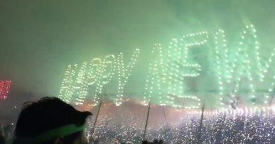Screaming Panic as Fire Rains Down on tourists at Koh Phangan's NYE Party 2017