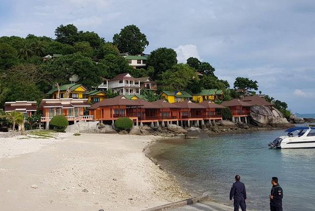 Resorts & restaurant seized for land encroachment on Koh Phangan island