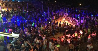 Over 20,000 tourists attend Koh Phangan's Full Moon Party in April 2018