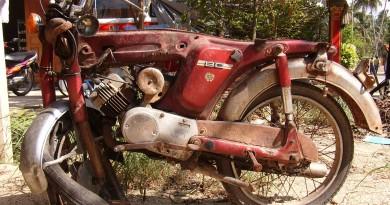 Motorbike-Crashed-556587