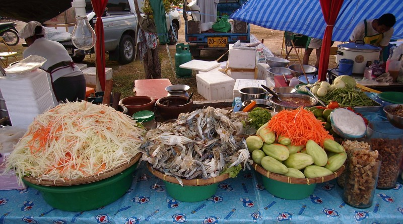 Som-Tam-Papaya-Salad-556528